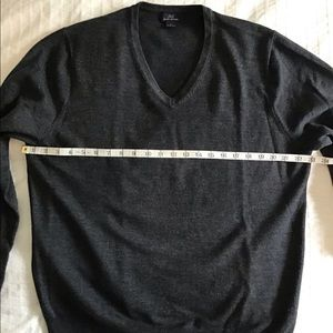 """""""346"""" BROOKS BROTHERS Charcoal grey v neck sweater"""